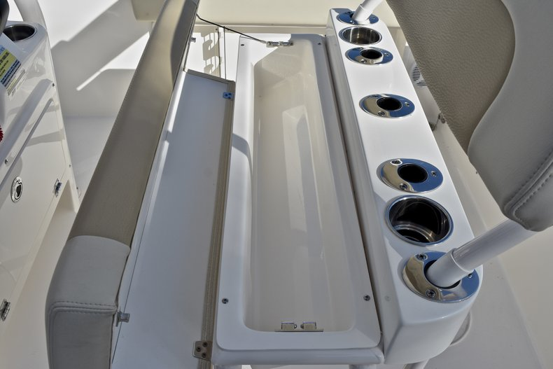 Thumbnail 21 for New 2018 Cobia 201 Center Console boat for sale in Vero Beach, FL