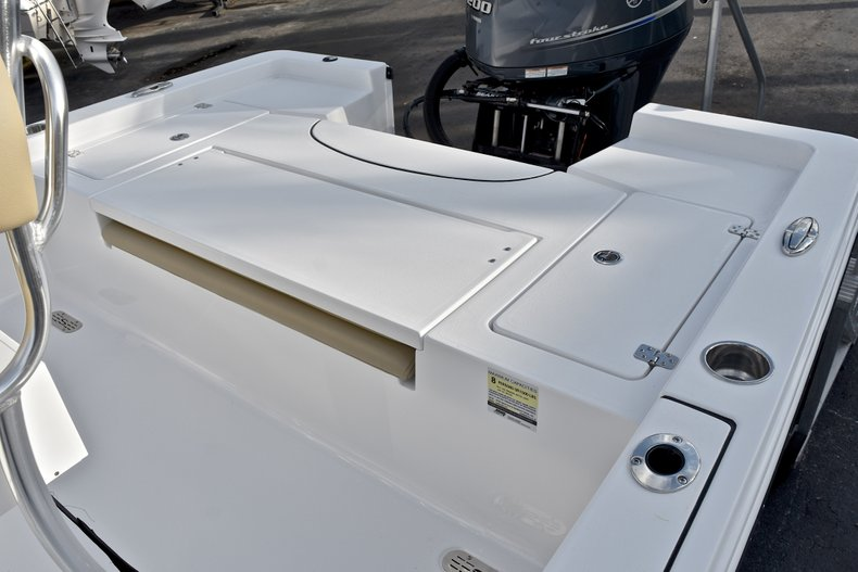 Thumbnail 10 for New 2018 Sportsman Masters 227 Bay Boat boat for sale in Vero Beach, FL