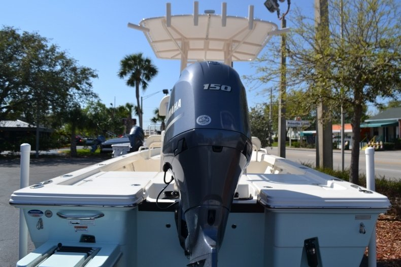 Thumbnail 4 for New 2018 Pathfinder 2200 TRS Bay Boat boat for sale in Vero Beach, FL
