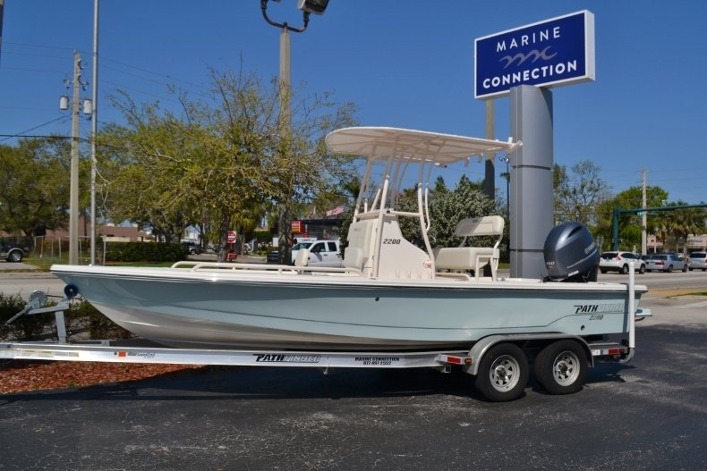 Thumbnail 0 for New 2018 Pathfinder 2200 TRS Bay Boat boat for sale in Vero Beach, FL