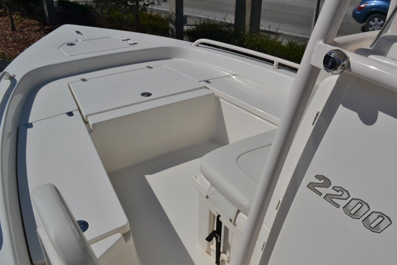 Thumbnail 17 for New 2018 Pathfinder 2200 TRS Bay Boat boat for sale in Vero Beach, FL