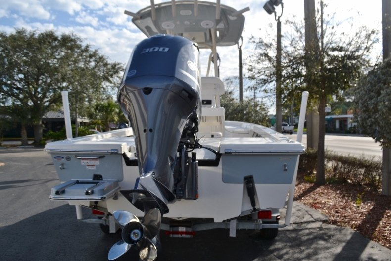 Thumbnail 4 for New 2018 Pathfinder 2400 TRS Bay Boat boat for sale in Vero Beach, FL