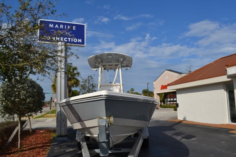 Thumbnail 2 for New 2018 Pathfinder 2400 TRS Bay Boat boat for sale in Vero Beach, FL