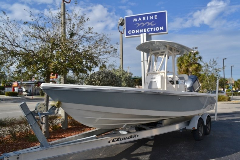 Thumbnail 1 for New 2018 Pathfinder 2400 TRS Bay Boat boat for sale in Vero Beach, FL
