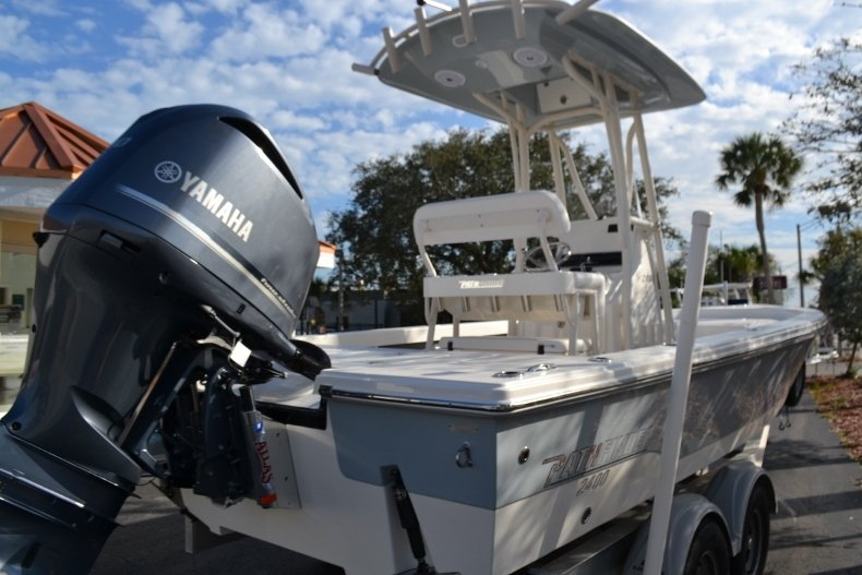 Thumbnail 5 for New 2018 Pathfinder 2400 TRS Bay Boat boat for sale in Vero Beach, FL