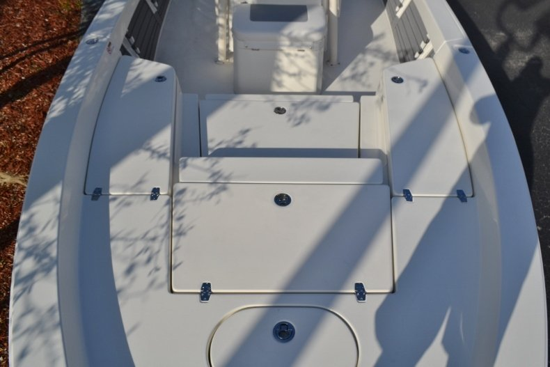 Thumbnail 12 for New 2018 Pathfinder 2400 TRS Bay Boat boat for sale in Vero Beach, FL