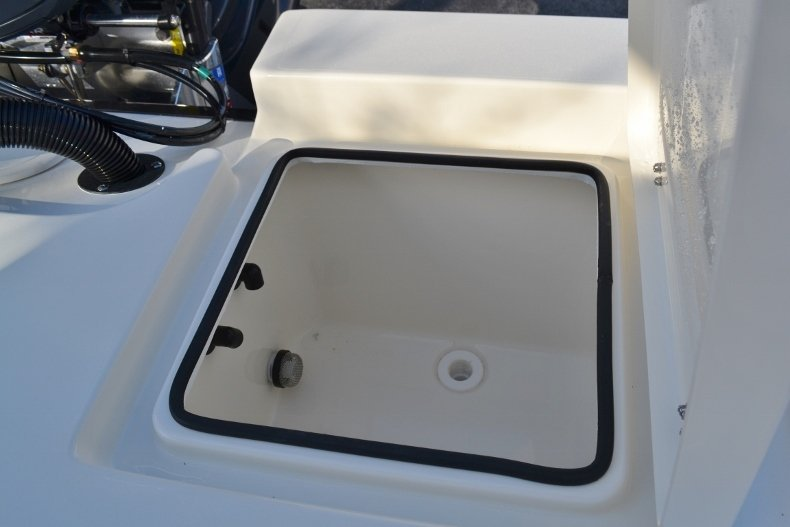 Thumbnail 16 for New 2018 Pathfinder 2400 TRS Bay Boat boat for sale in Vero Beach, FL