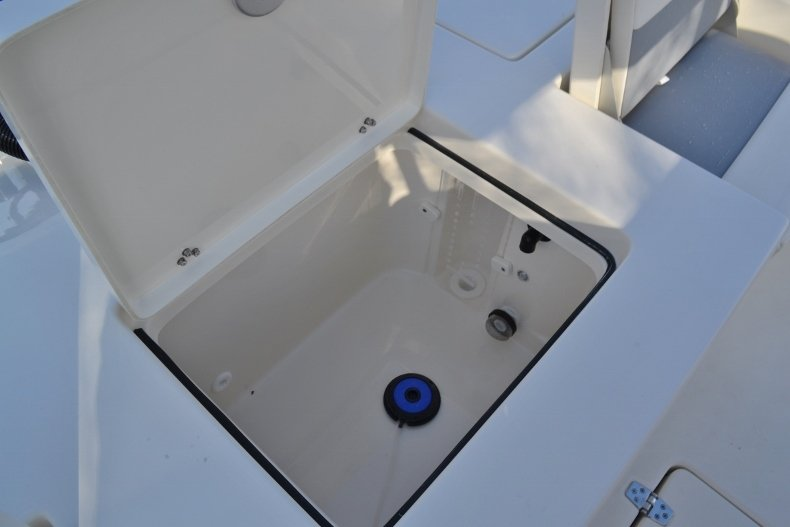 Thumbnail 15 for New 2018 Pathfinder 2400 TRS Bay Boat boat for sale in Vero Beach, FL