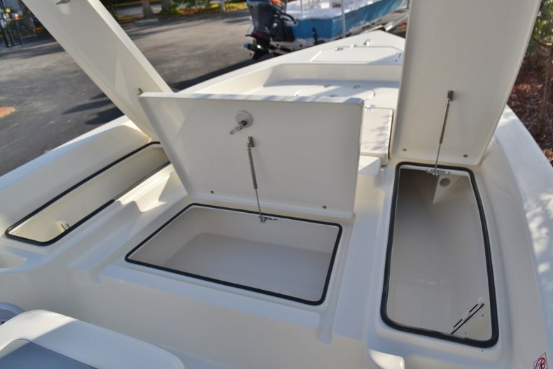 Thumbnail 17 for New 2018 Pathfinder 2400 TRS Bay Boat boat for sale in Vero Beach, FL