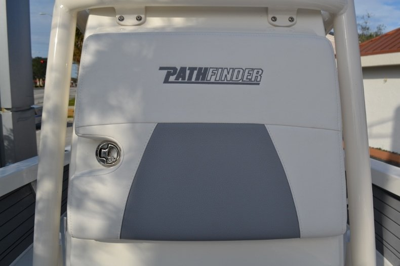Thumbnail 19 for New 2018 Pathfinder 2400 TRS Bay Boat boat for sale in Vero Beach, FL