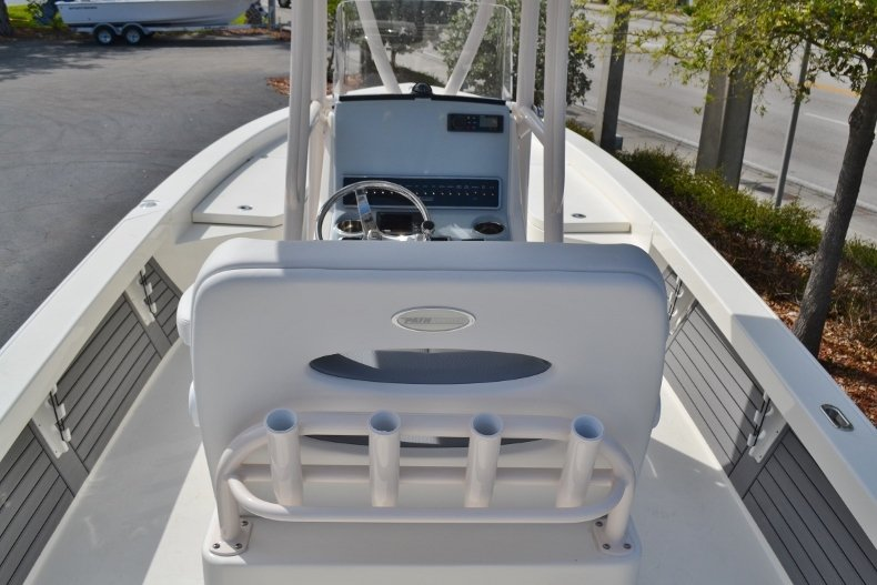 Thumbnail 8 for New 2018 Pathfinder 2600 HPS Bay Boat boat for sale in Vero Beach, FL