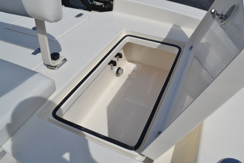 Thumbnail 19 for New 2018 Pathfinder 2600 HPS Bay Boat boat for sale in Vero Beach, FL