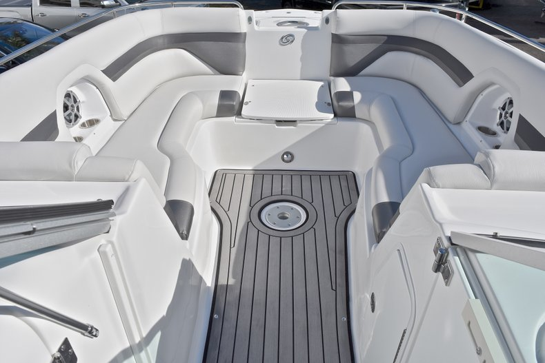 Thumbnail 49 for New 2018 Hurricane SunDeck SD 2486 OB boat for sale in Fort Lauderdale, FL