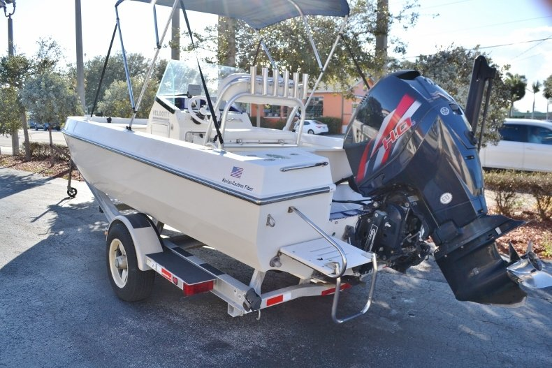 Thumbnail 3 for Used 2009 Velocity 22 OB boat for sale in Vero Beach, FL
