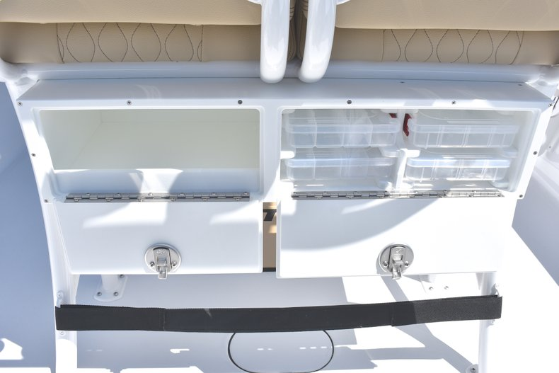 Thumbnail 22 for New 2018 Sportsman Masters 247 Bay Boat boat for sale in Vero Beach, FL