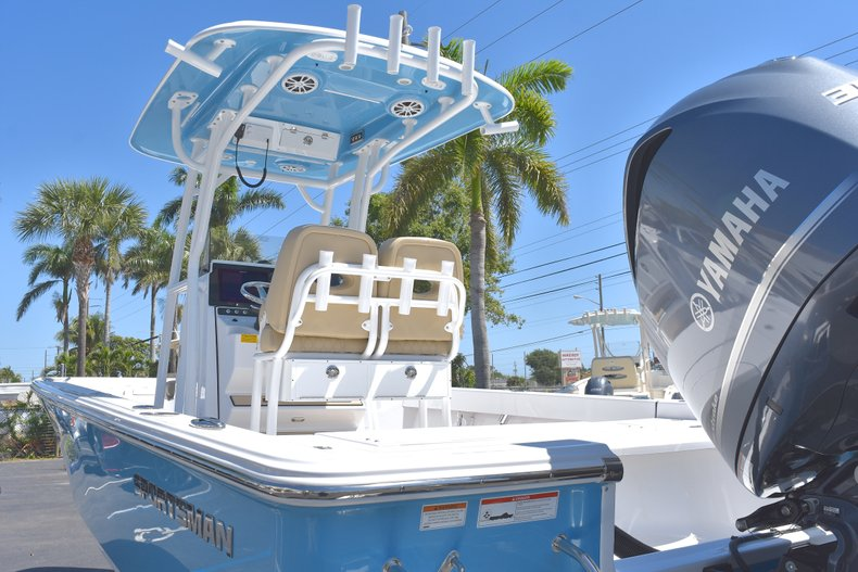 Thumbnail 6 for New 2018 Sportsman Masters 247 Bay Boat boat for sale in Vero Beach, FL