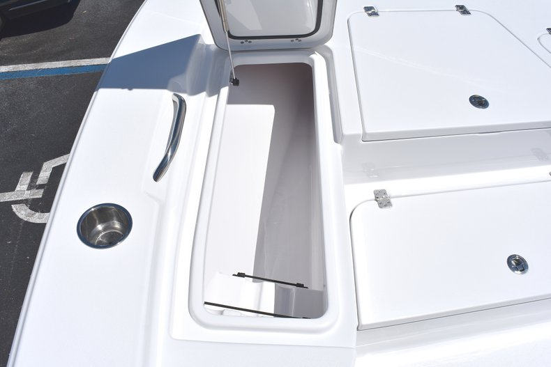 Thumbnail 52 for New 2018 Sportsman Masters 247 Bay Boat boat for sale in Vero Beach, FL
