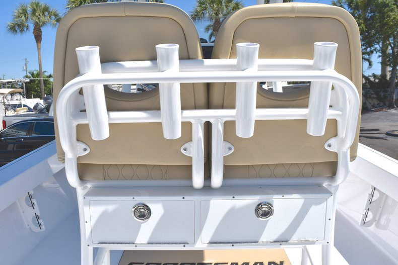 Thumbnail 21 for New 2018 Sportsman Masters 247 Bay Boat boat for sale in Vero Beach, FL