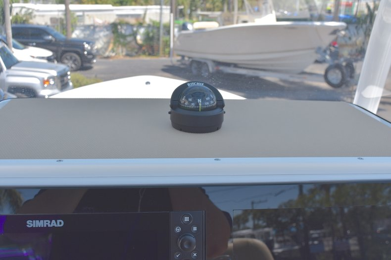 Thumbnail 31 for New 2018 Sportsman Masters 247 Bay Boat boat for sale in Vero Beach, FL