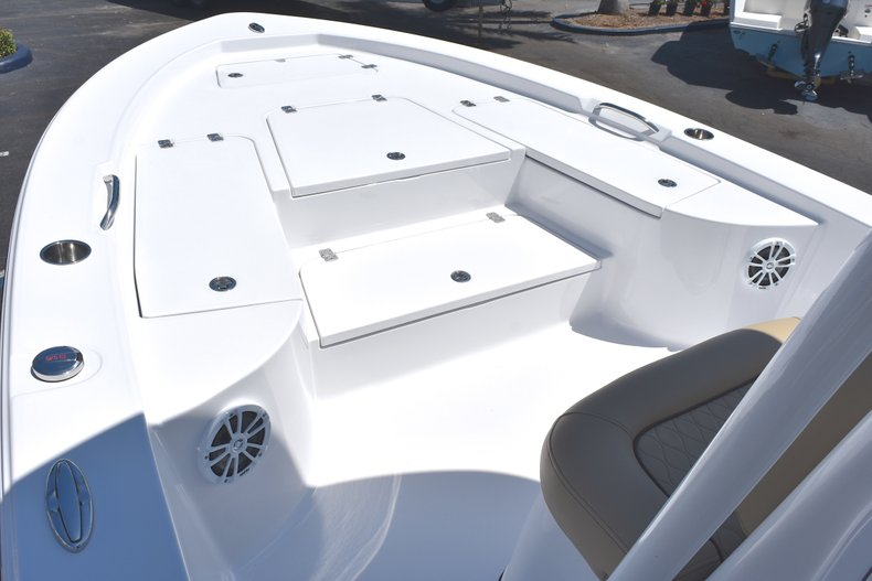 Thumbnail 42 for New 2018 Sportsman Masters 247 Bay Boat boat for sale in Vero Beach, FL