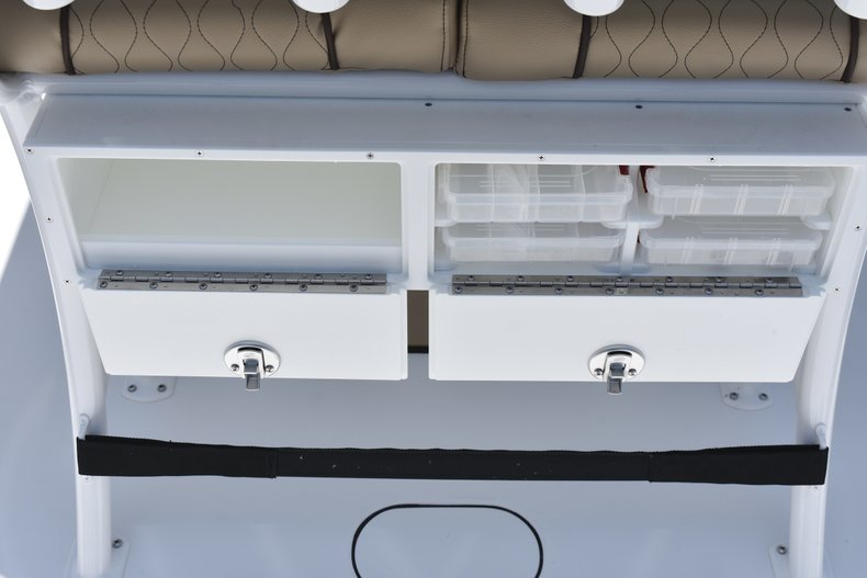 Thumbnail 20 for New 2018 Sportsman Open 232 Center Console boat for sale in Vero Beach, FL