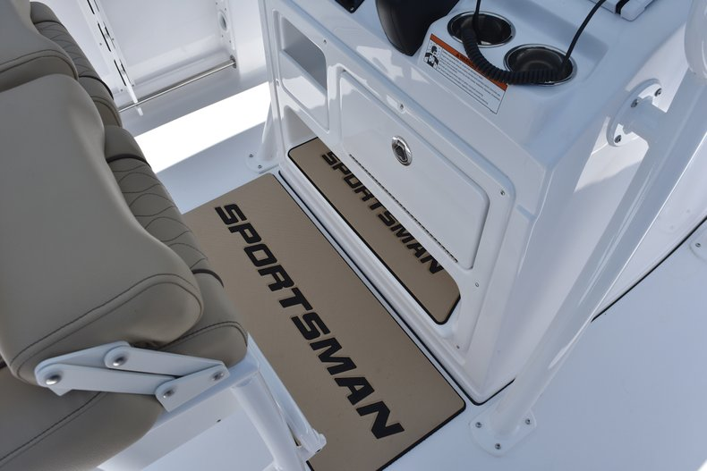 Thumbnail 36 for New 2018 Sportsman Open 232 Center Console boat for sale in Vero Beach, FL