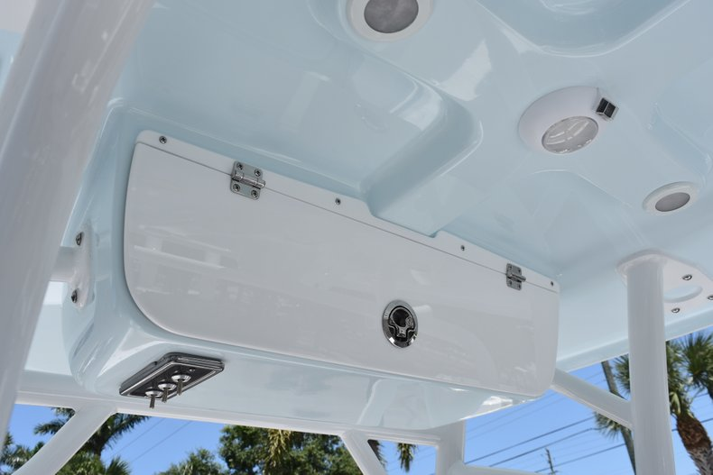 Thumbnail 24 for New 2018 Sportsman Open 232 Center Console boat for sale in Vero Beach, FL