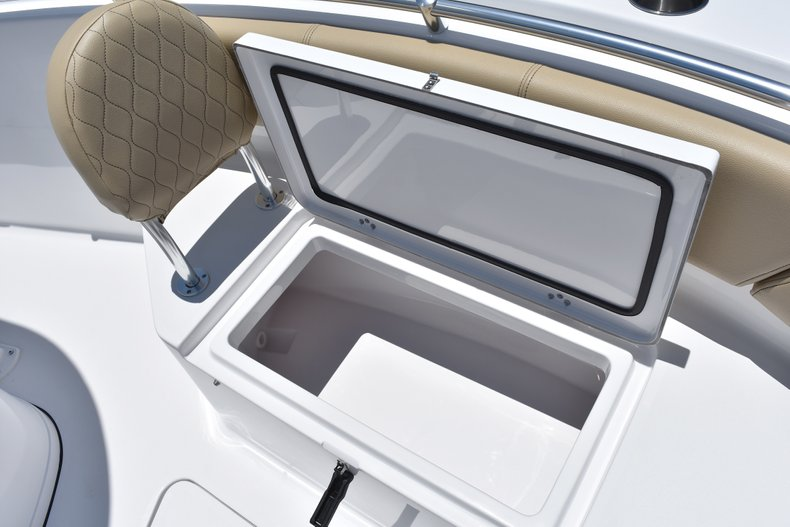 Thumbnail 48 for New 2018 Sportsman Open 232 Center Console boat for sale in Vero Beach, FL