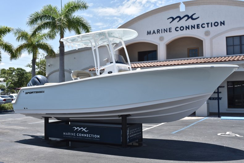 Thumbnail 1 for New 2018 Sportsman Open 232 Center Console boat for sale in Vero Beach, FL