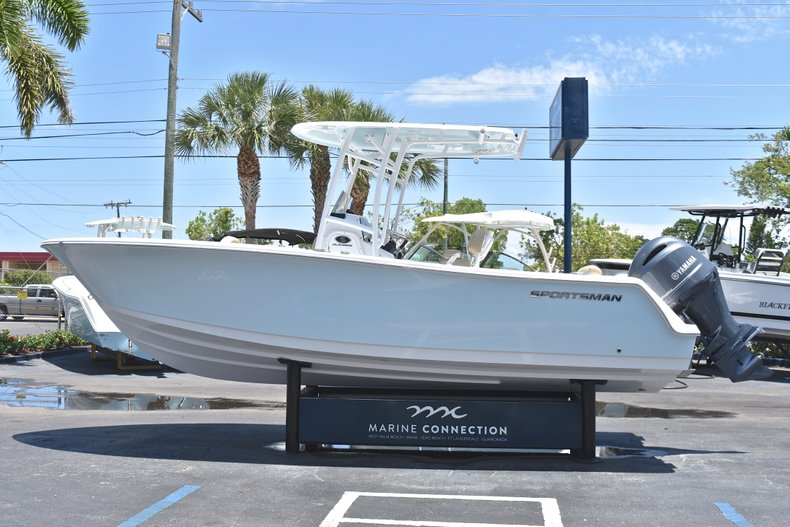 Thumbnail 4 for New 2018 Sportsman Open 232 Center Console boat for sale in Vero Beach, FL