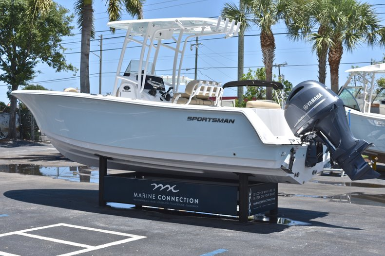 Thumbnail 5 for New 2018 Sportsman Open 232 Center Console boat for sale in Vero Beach, FL