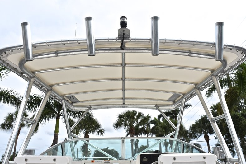 Thumbnail 27 for Used 2005 Robalo R235 Walk Around boat for sale in Vero Beach, FL
