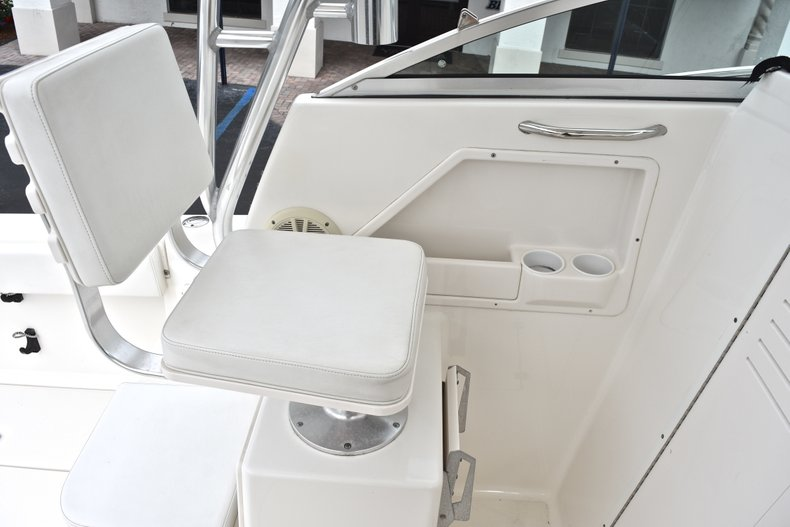 Thumbnail 29 for Used 2005 Robalo R235 Walk Around boat for sale in Vero Beach, FL
