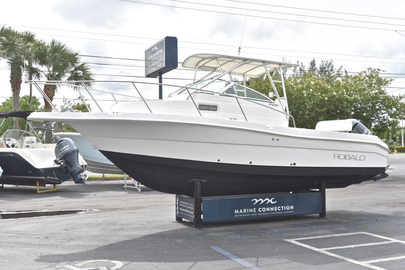 Thumbnail 3 for Used 2005 Robalo R235 Walk Around boat for sale in Vero Beach, FL