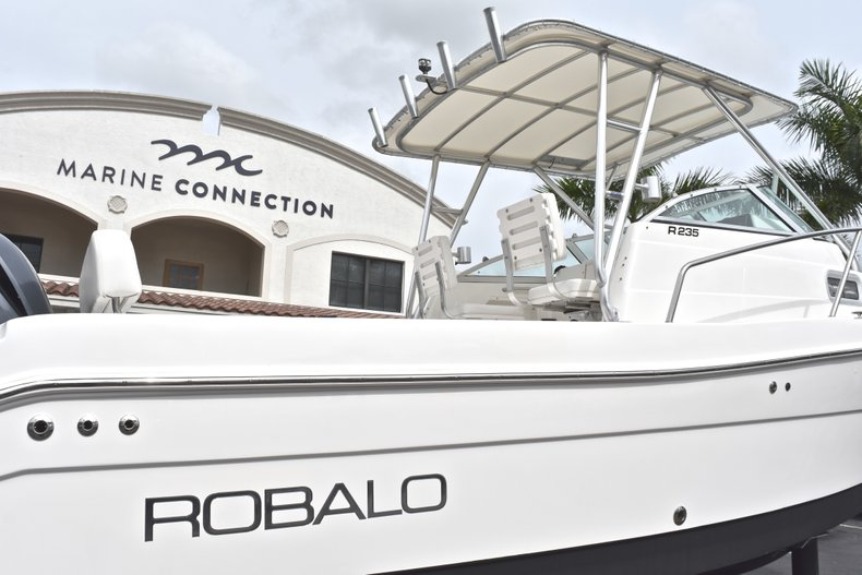 Thumbnail 8 for Used 2005 Robalo R235 Walk Around boat for sale in Vero Beach, FL