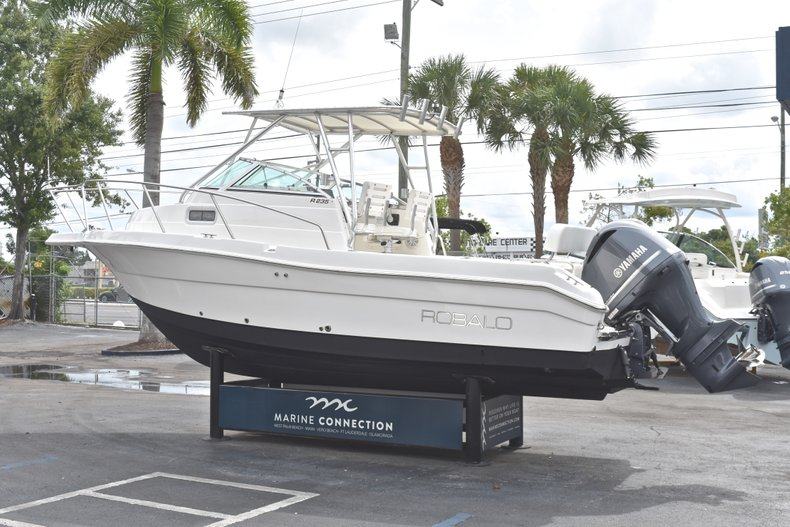 Thumbnail 5 for Used 2005 Robalo R235 Walk Around boat for sale in Vero Beach, FL