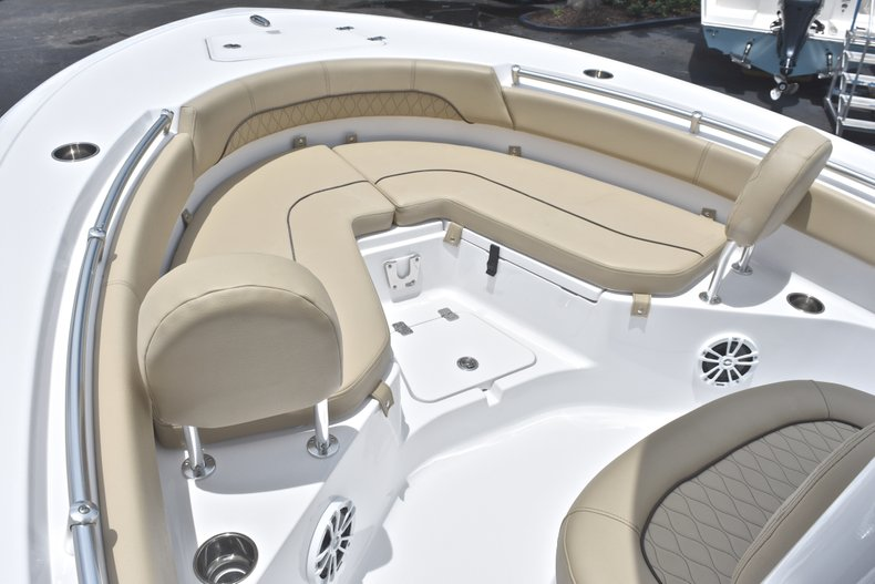 Thumbnail 37 for New 2018 Sportsman Heritage 211 Center Console boat for sale in Vero Beach, FL