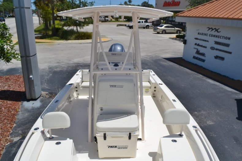 Thumbnail 12 for New 2018 Pathfinder 2200 TRS Bay Boat boat for sale in Vero Beach, FL