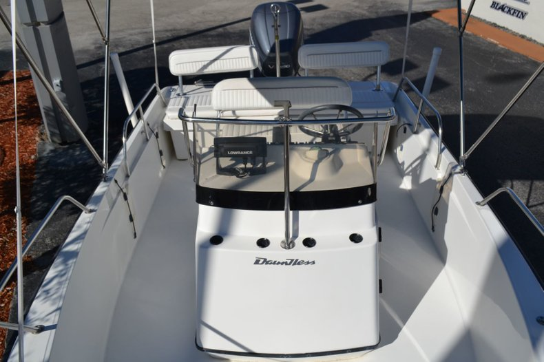 Thumbnail 15 for Used 2000 Boston Whaler 18 Dauntless boat for sale in Vero Beach, FL