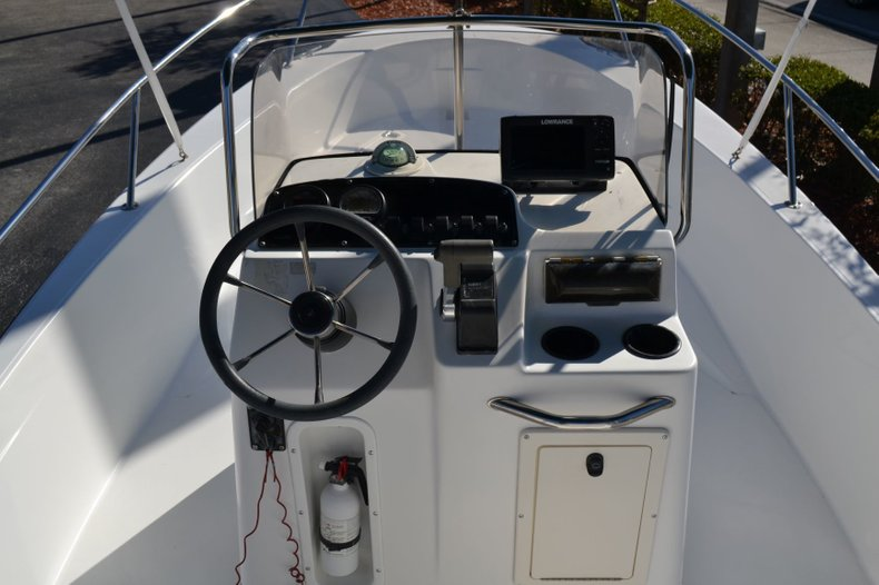 Thumbnail 11 for Used 2000 Boston Whaler 18 Dauntless boat for sale in Vero Beach, FL