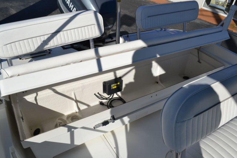 Thumbnail 18 for Used 2000 Boston Whaler 18 Dauntless boat for sale in Vero Beach, FL