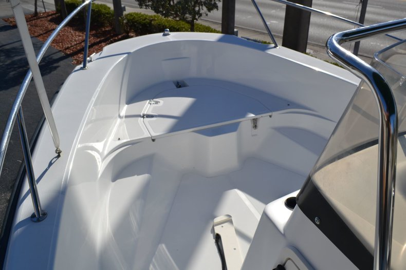 Thumbnail 14 for Used 2000 Boston Whaler 18 Dauntless boat for sale in Vero Beach, FL
