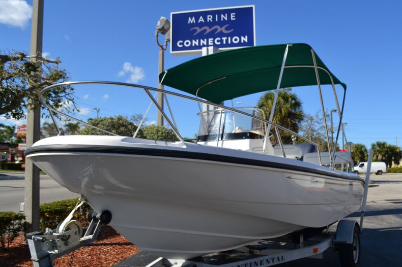 Thumbnail 1 for Used 2000 Boston Whaler 18 Dauntless boat for sale in Vero Beach, FL