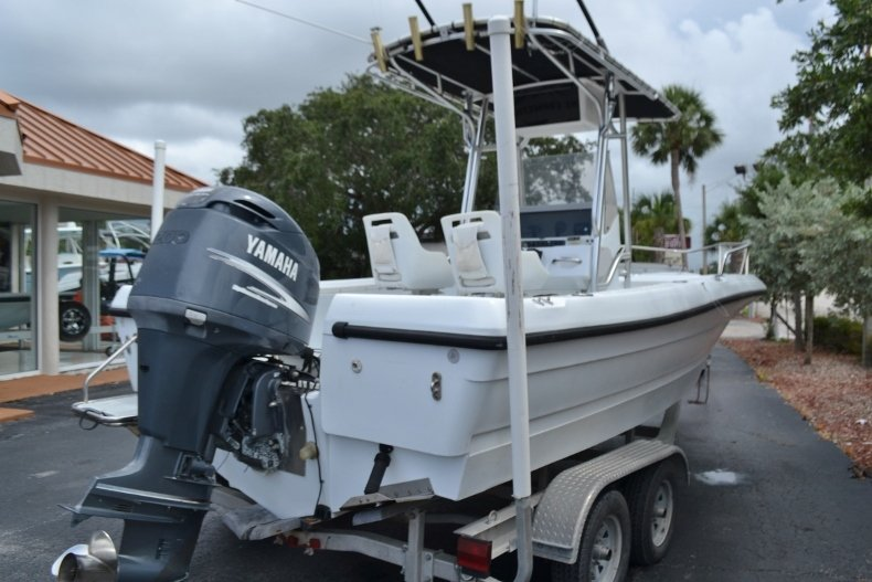 Thumbnail 7 for Used 2003 Triumph 210 boat for sale in Vero Beach, FL