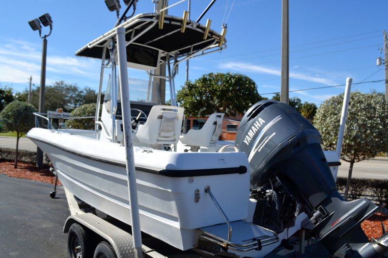 Thumbnail 3 for Used 2003 Triumph 210 boat for sale in Vero Beach, FL
