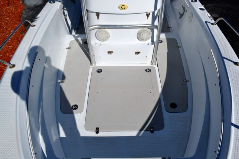 Thumbnail 16 for Used 2003 Triumph 210 boat for sale in Vero Beach, FL