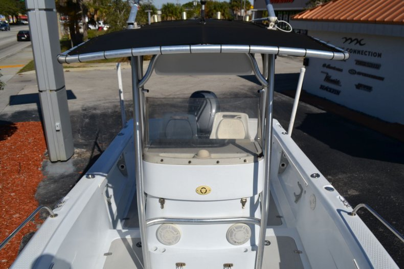 Thumbnail 13 for Used 2003 Triumph 210 boat for sale in Vero Beach, FL