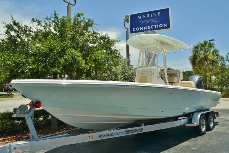 Thumbnail 1 for New 2018 Pathfinder 2600 HPS Bay Boat boat for sale in Vero Beach, FL