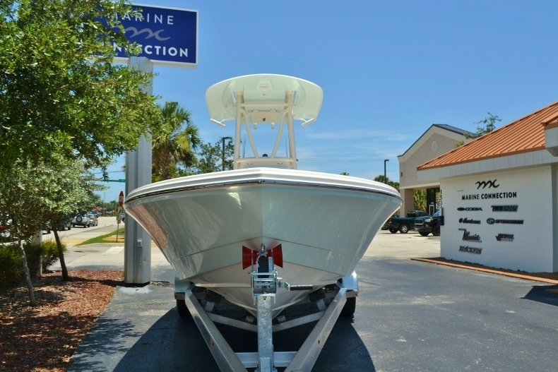 Thumbnail 2 for New 2018 Pathfinder 2600 HPS Bay Boat boat for sale in Vero Beach, FL