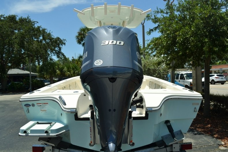 Thumbnail 4 for New 2018 Pathfinder 2600 HPS Bay Boat boat for sale in Vero Beach, FL